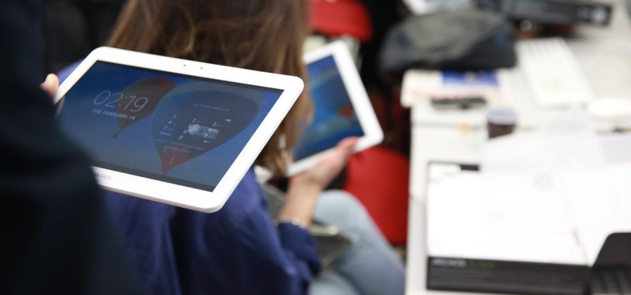Remise de tablettes numériques au Campus!